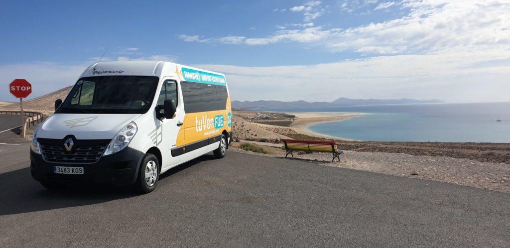 calida-acogida-tuvenfue-servicio-discrecional-autobuses-costa-calma